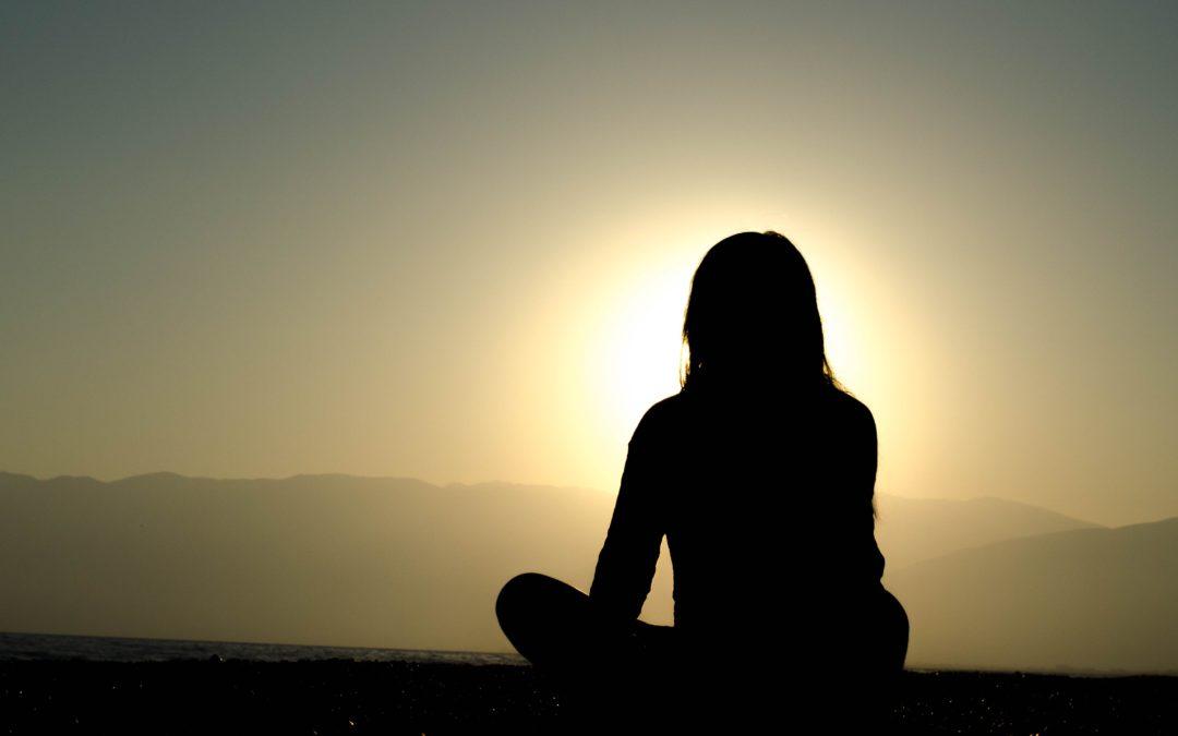 Méditation avec des bols chantants